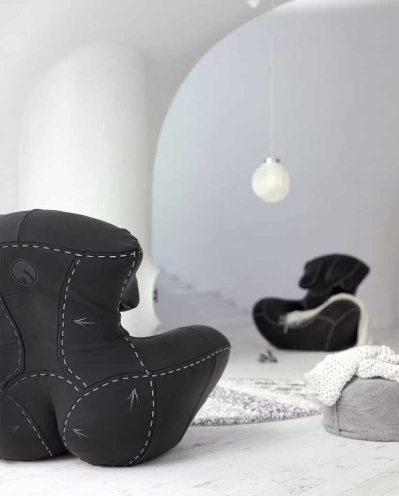 5- NAGABABA – leather armchair in black